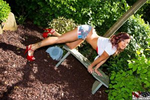 Elea teen escort in Hirschaid, BY